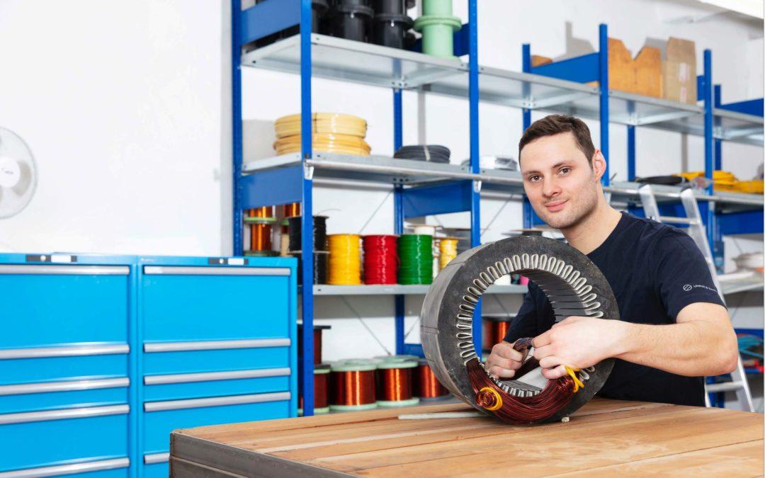 Lukas Diedrich, Auszubildender im 4. Lehrjahr, angehender Elektroniker für Maschinen- und Antriebstechnik, seit 2016 im Unternehmen
