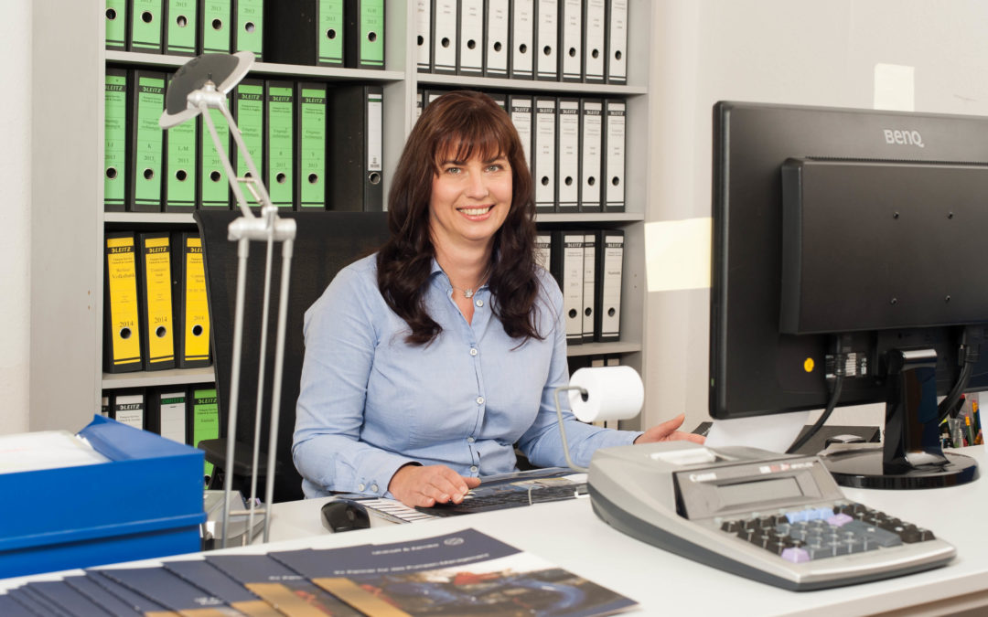 Carina Gerlach, Buchhaltung, im Unternehmen seit 2004